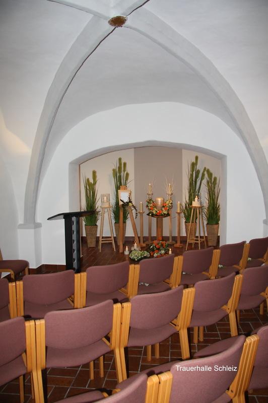 Bergkirche Sankt Marien zu Schleiz - Funeral service with urn